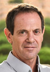 Photo of Associate Professor Roy Friedman